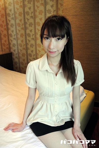 アダルトビデオ作品素人奥様初撮り 都築カンナ 28歳の詳細イメージ1